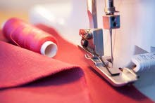 مطلوب خياطين ذكور واناث للعمل في مصنع البسة نسائية