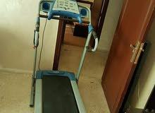 جهاز مشي كهربائي مستعمل بحالة الجديد استعمال بسيط جدا