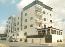 شقة للبيع 142 متر دوبلكس درج داخلي مع روف مبني 151 م  مقابل مستشفى حمزة