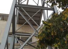 نحن متخصصون في تصميم و تنفيذ الهناجر و الانشاءات و الهياكل الحديدية