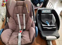 Maxi-cosi Easy Base 2 with Pebble Seat