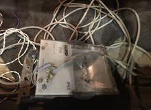 كواشف اضاءة مستعملات نظاف واحد ايطالي الصنع بالكوابل اما تاني صيني بدون