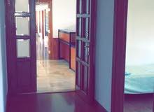 مكاتب  للأيجار شارع زهران بالقرب  من الدوار  السابع ..  منطقه حيويه