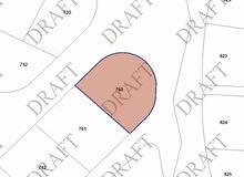 ارض للبيع شفا بدران مرج الفرس 762م على ثلاث شوارع بسعر 165الفaaa