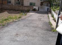 .  ارض للبيع في منطقه راقيه قرب دائرة الافتاء حوض عرجان