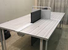 ميز مكتب يسع اربع حاسبات