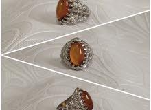 السعر على الخاتم الواحد ب25 دينار