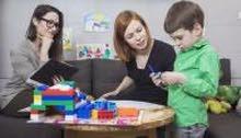 تدريب أمهات أطفال التوحد على كيفية التعامل وحل المشاكل التي تعاني منها الأم
