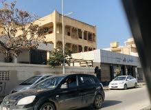 منزل للبيع ثلاث طوابق واجهتين على الرئيسي حي دمشق