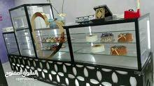 بيع محل  كيك حلويات غربية بمنطقة حيوية مع مشغل مستقل