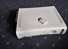 اكس بوكس 360 مستعمل مع يد ومهكر مع 12 سي دي