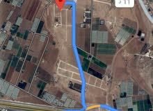 للبيع ارض 688 م في اللبن شارع الميه المحطه