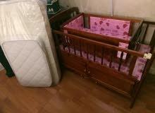 سرير طفله للبيع