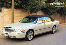 لنكولن تاون كار محولة بالكامل 2011 للبيع او للبدل بسيارة بنفس السعر