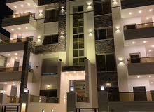 شقة بالاقساط لمدة 36 شهر بتشطيب فندقي بأرقى مناطق مرج الحمام ومن المالك مباشرة