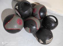 medicine balls كور 3 و 5 كيلو