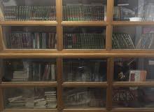 مكتبة للبيع