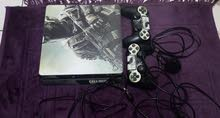 ps4 500GB with two controllers +11 games