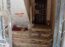 منزل مكون من 5ادوار بالارضى به عدادات كهرباء قديمة وغاز طبيعى