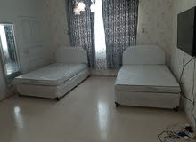 selling single beds with Mattress