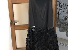 فستان فخم لوقو ديور  استعمال مرة فقط