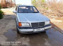 مرسيدس هرم مكيفة محرك مليون كمبيو عادي سيارة في حالةجيدة
