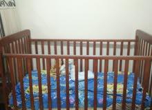 سرير اطفال بحالة ممتازة
