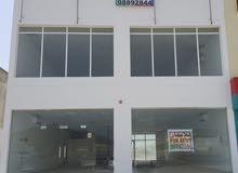 مبنى سكني تجاري للإيجار في موقع مميز وحيوي في يقع في الخط الأول بمنطقة لزغ 2 بولاية سمائل