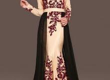 فستان سهرة شرعي بقمة الاناقة قصة سمكة مع عباي