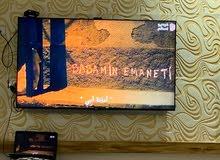 شاشة تلفزيون مستعمل للبيع