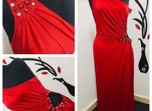 فستان احمر طويل للايجار