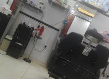 مطلوب حلاق للعمل في صالون حلاقة بمدينة جدة حي النعيم
