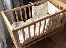 سرير اطفال بالفرش  هزاز mamas & babas