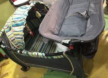 تخت بيبي اوروبي my baby brand مع هزاز فخم مع مظله وعجلات وعلاقه العاب يوجد توصيل