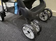 عربة أطفال من جونيور بحالة ممتازة  Juniors Baby Stroller