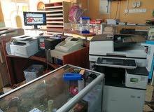 مكتبة للبيع بكامل معداتها في لوى