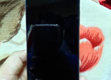 Samsung a70's broken screen is 6gb ram 128gb memory.  شاشة سامسونج A 70 المكسورة