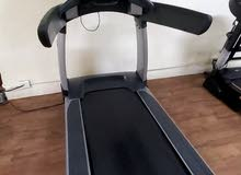 جهاز جري life fitness engage