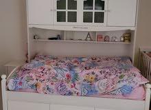 سرير كبير للأطفال مع ملحقاته
