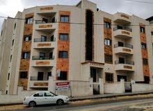 شقه سكنية فاخره للبيع في أبو علندا
