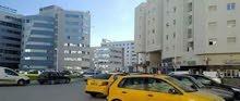 شقة أمام مصحة الياسمين و قرطاجنة و باستور