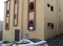 عماره على شارع 10 مساحه مسطح البنا 380م2 مكونه من ثلاث ادوار مجهزلها جميع الخدما