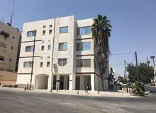 مكاتب و عيادات مميزة بمساحات مختلفة في شارع مكة. إطلالة جميلة و انارة طبيعية.
