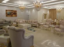 شقة سوبر ديلوكس مساحة 320 م² - في منطقة عبدون للبيع او مقايضة بنص الثمن