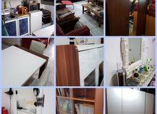 طقم جلوس - طاولة مع 6 كراسي -خزانة عرض اواني -مكتبة -خزانة ملابس -مطبخ الومنيوم -تلفزيون -ثلاجة -