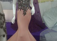 فستان ملكي للبيع
