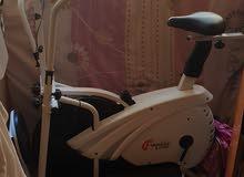 دراجة رياضية بحالة جيدة استعمال خفيف جدا