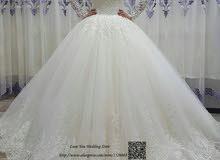 فستان زفاف ملكي راقي جديد