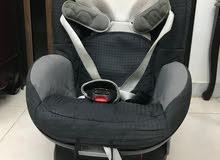 للبيع كرسي سيارة للأطفال بحالة ممتازة