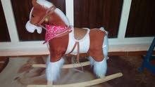 حصان هزاز للبيع